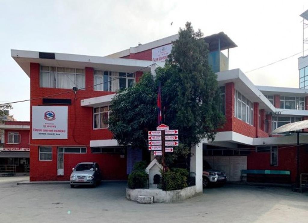 काठमाडौंका सिडिओ दाहाल र उनकी श्रीमतीलाई कोरोना संक्रमण